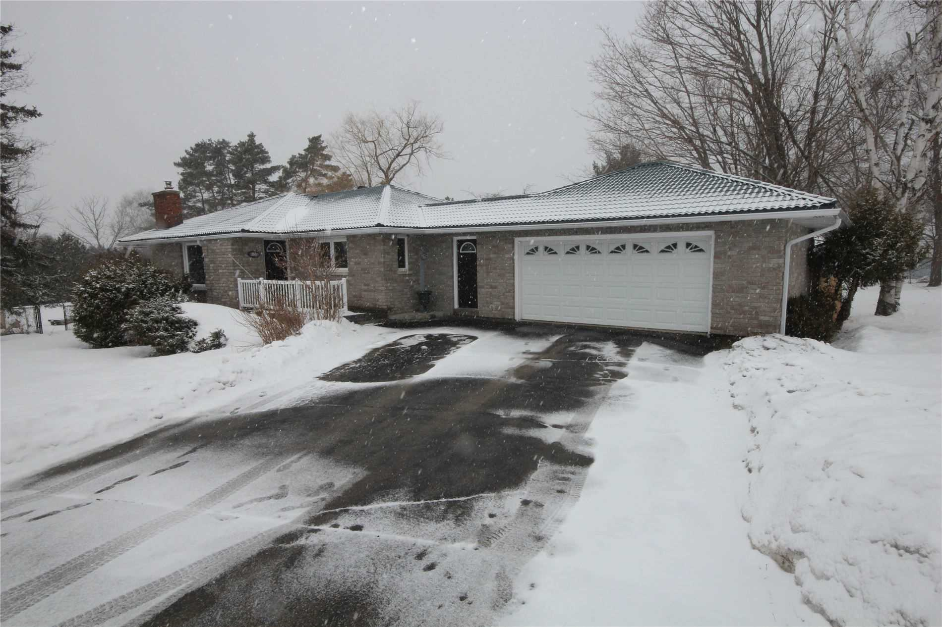 pictures of house for sale MLS: S4704998 located at 26 Broadview Ave, Oro-Medonte L3V6H2