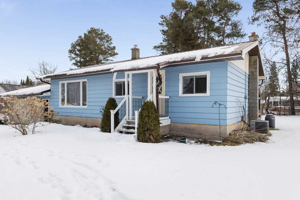 pictures of house for sale MLS: S4706493 located at 23 Albert St, Springwater L0L1V0