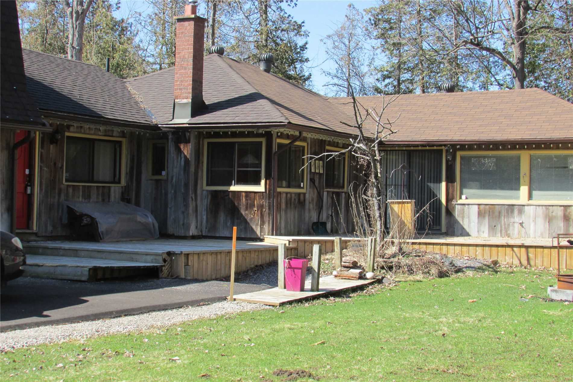 pictures of house for sale MLS: S4709342 located at 14 Greengables Dr, Oro-Medonte L0L1T0