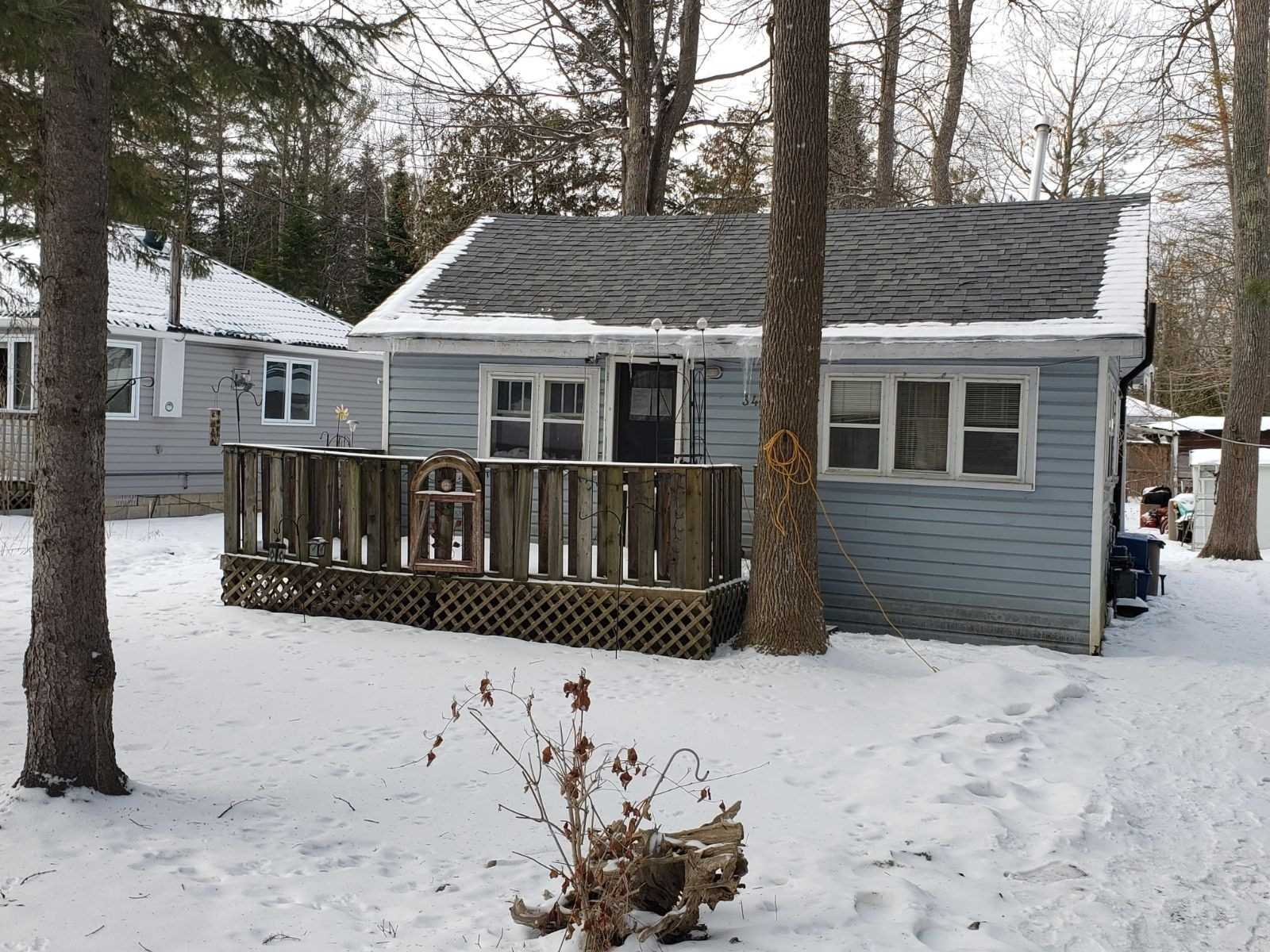 pictures of house for sale MLS: S4709979 located at 34 46th St N, Wasaga Beach L9Z1Y7