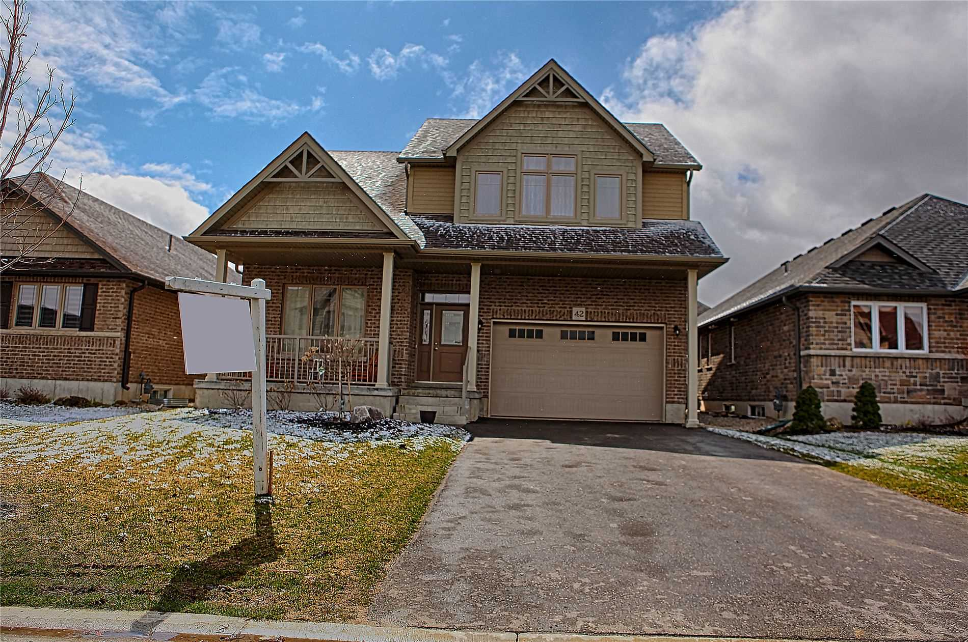pictures of house for sale MLS: S4716006 located at 42 Cooper St, Collingwood L9Y0W8