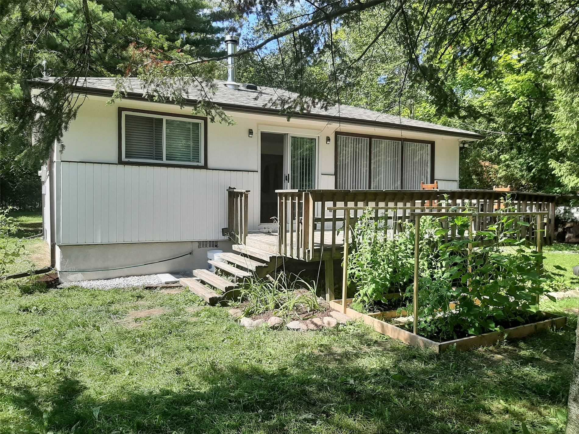 pictures of house for sale MLS: S4721636 located at 91 Poplar Cres, Oro-Medonte L0L1T0