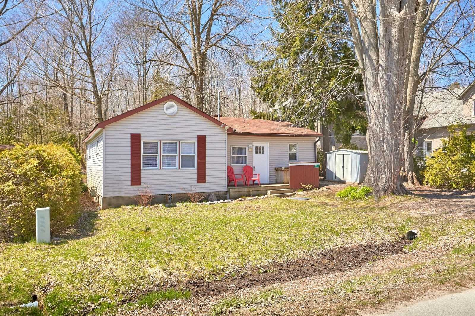 pictures of house for sale MLS: S4723879 located at 22 Park View Ave, Oro-Medonte L0L2E0