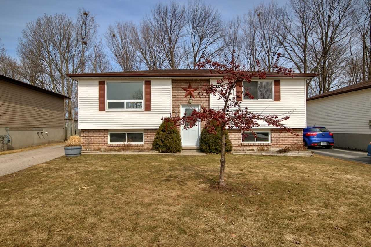 pictures of house for sale MLS: S4724351 located at 639 Bayview Dr, Midland L4R4Y7