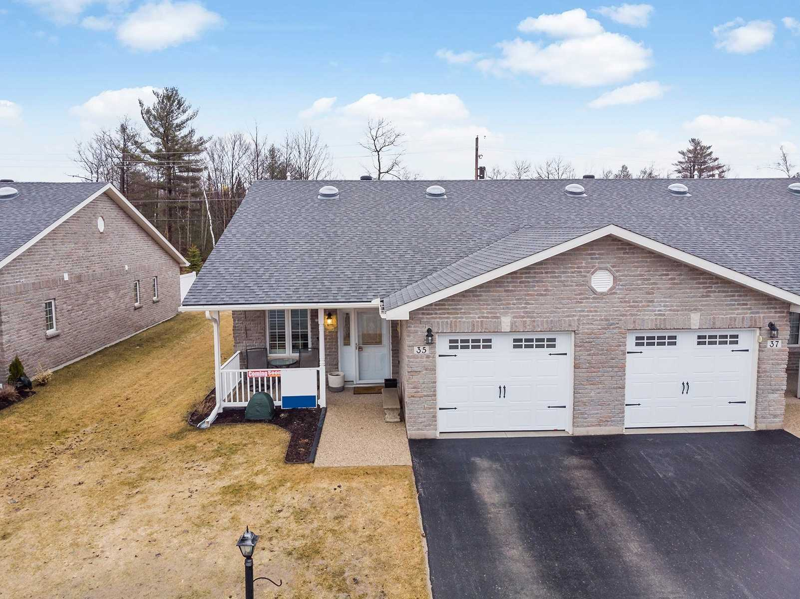 pictures of house for sale MLS: S4728540 located at 35 Chestnut Lane, Wasaga Beach L9Z0G4