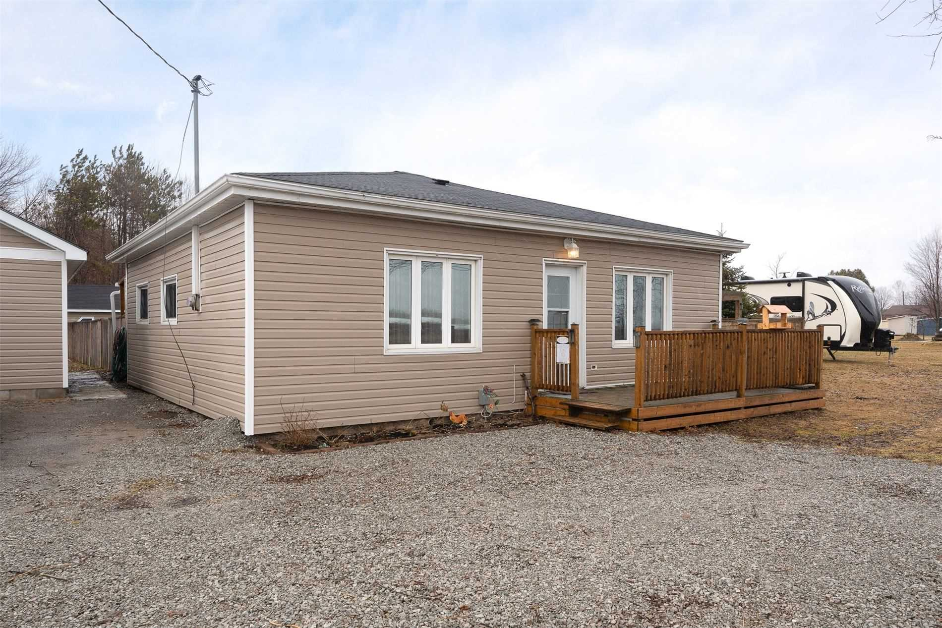 pictures of house for sale MLS: S4728753 located at 9927 Highway 12, Oro-Medonte L0K1E0