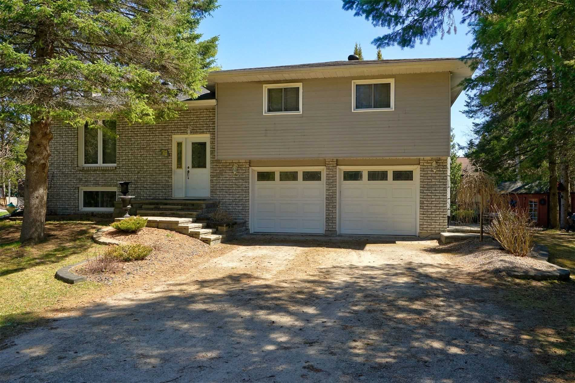 pictures of house for sale MLS: S4729423 located at 74 Hillview Cres, Springwater L0L1X0