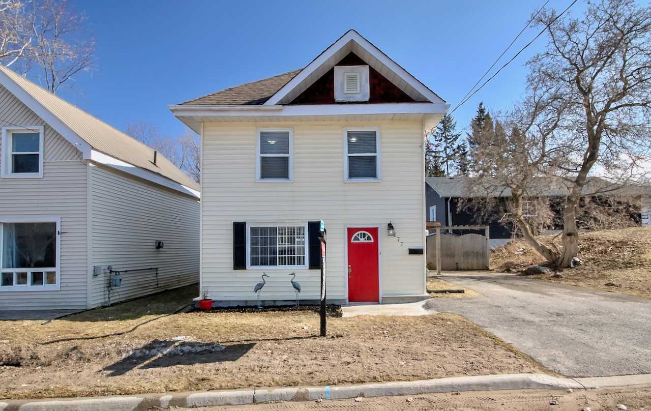 pictures of house for sale MLS: S4734013 located at 277 Gloucester St, Midland L4R1H6