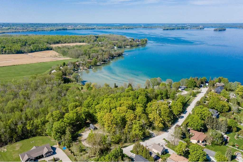 pictures of house for sale MLS: S4739578 located at 6 Moon Point Dr, Orillia L3V6H1