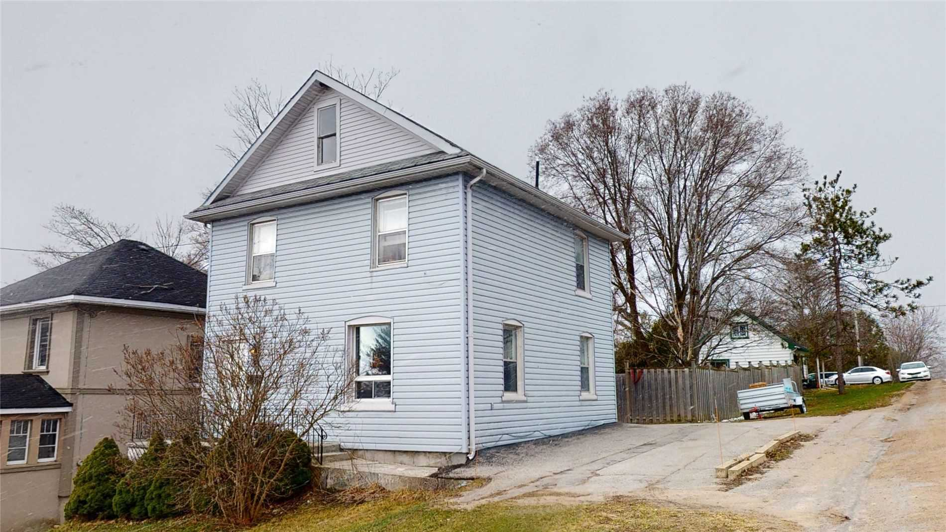 pictures of house for sale MLS: S4744181 located at 2 Clinton St, Orillia L3V6A1