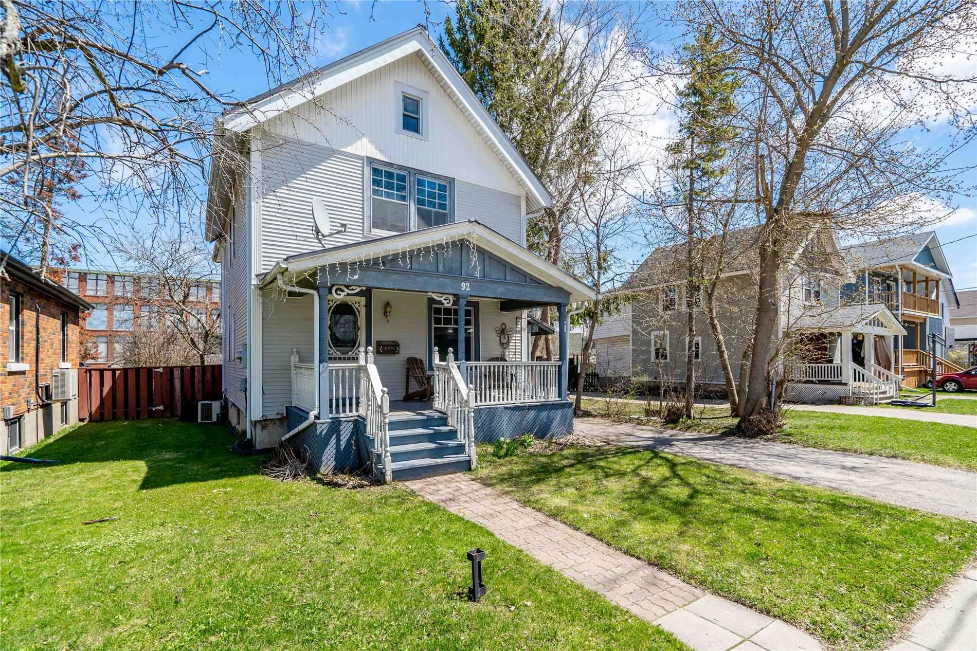 pictures of house for sale MLS: S4753650 located at 92 Dunlop St, Orillia L3V5P4