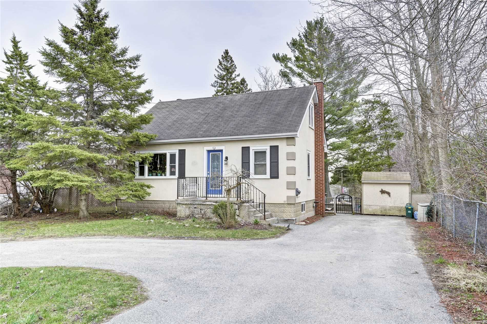 pictures of house for sale MLS: S4754960 located at 385 Barrie Rd W, Orillia L3V2S2