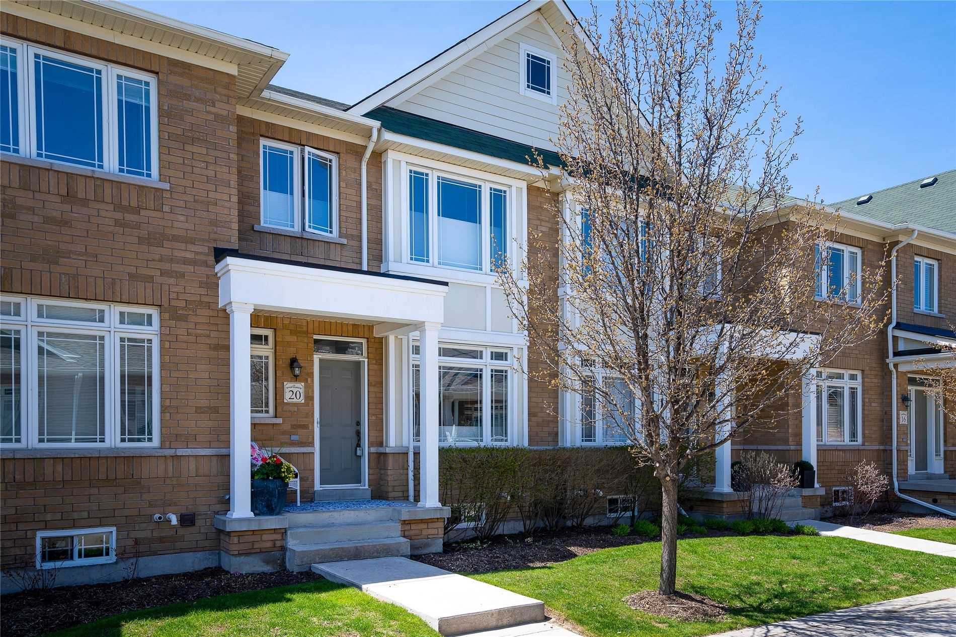 pictures of 20 Montclair Mews, Collingwood L9Y0J7