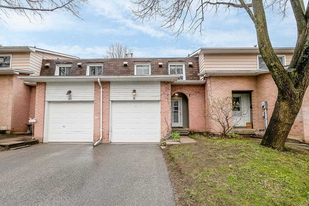 pictures of 2 Bernick Dr, Barrie L4M5K4