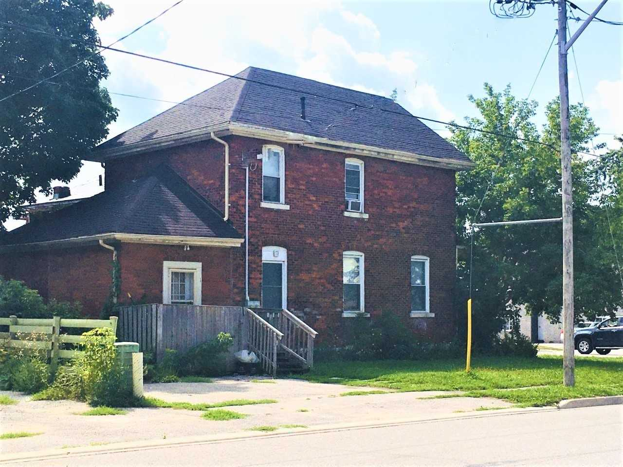 pictures of house for sale MLS: S4900157 located at 86 Peter St S, Orillia L3V5B4