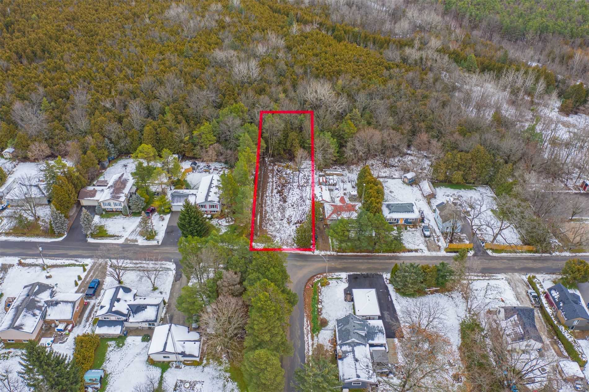 pictures of house for sale MLS: S5064467 located at 17 Allen St, Oro-Medonte L0L1T0