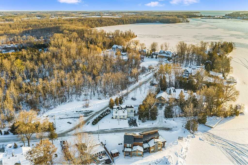 pictures of house for sale MLS: S5077734 located at 4509 Fern Resort Rd, Ramara L3V6H5