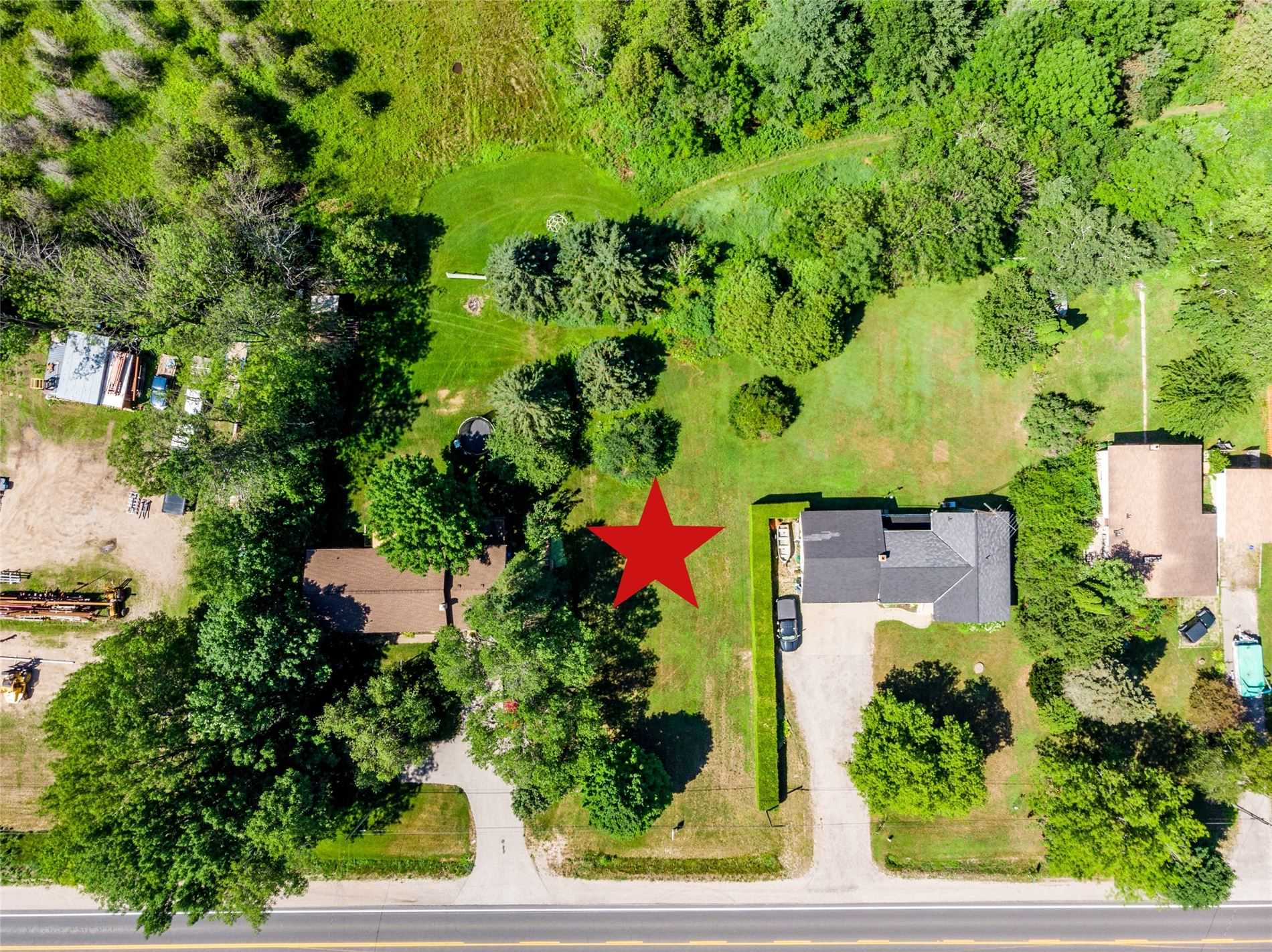 pictures of house for sale MLS: S5078272 located at 2724 Penetanguishene Rd, Springwater L4M4Y8