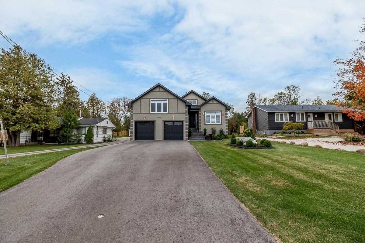 pictures of house for sale MLS: S5079748 located at 9789 Beachwood Rd, Collingwood L9Y3Z1