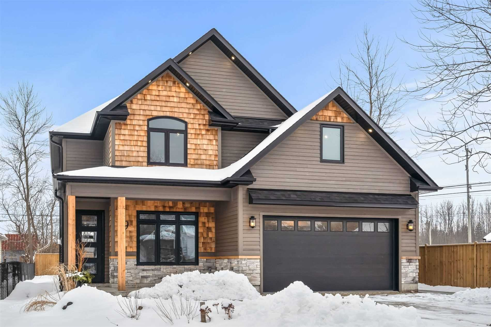 pictures of house for sale MLS: S5079751 located at 9 Nottawa Rd, Wasaga Beach L9Z2Y6