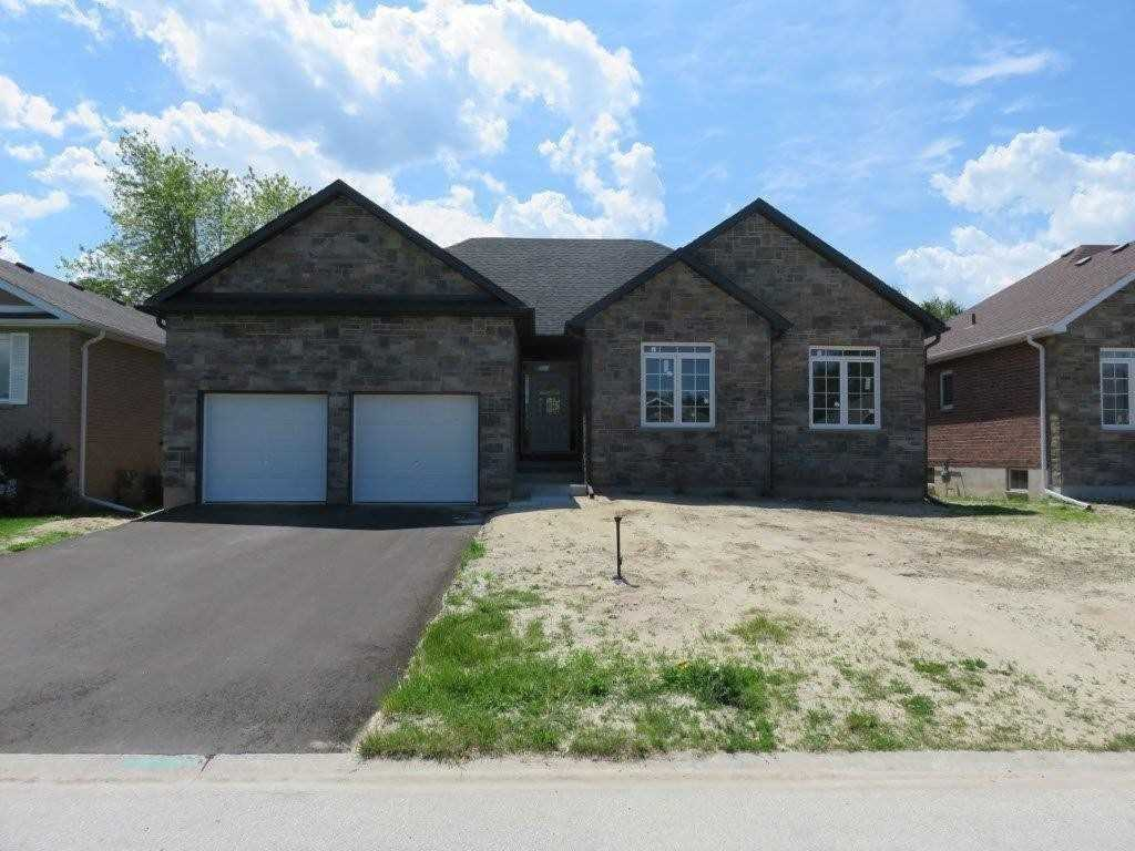 pictures of house for sale MLS: S5081707 located at 230 Dominion Dr, Clearview L0M1S0