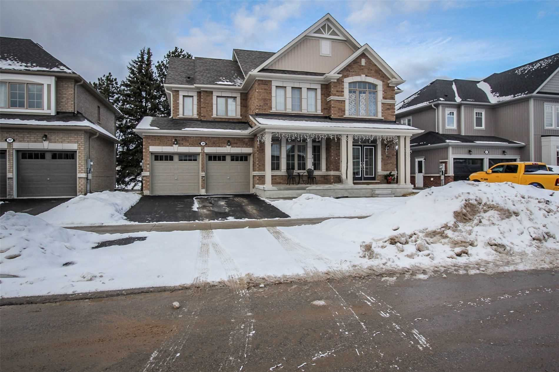 pictures of house for sale MLS: S5083661 located at 39 Mclean Ave, Collingwood L9Y3Z6