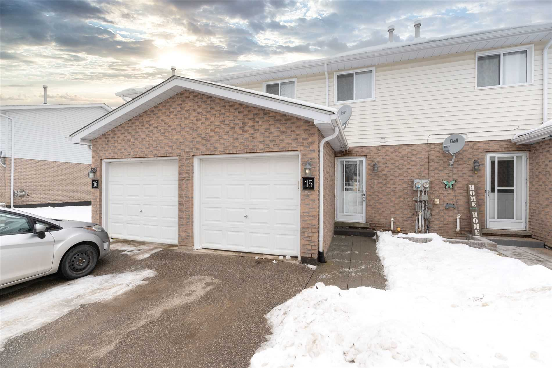 pictures of house for sale MLS: S5083677 located at 325 West St N, Orillia L3V7P4