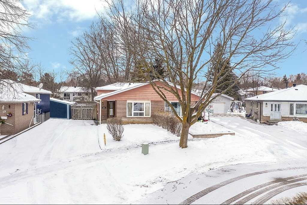 pictures of house for sale MLS: S5088895 located at 28 Burbank Pl, Barrie L4M2S8