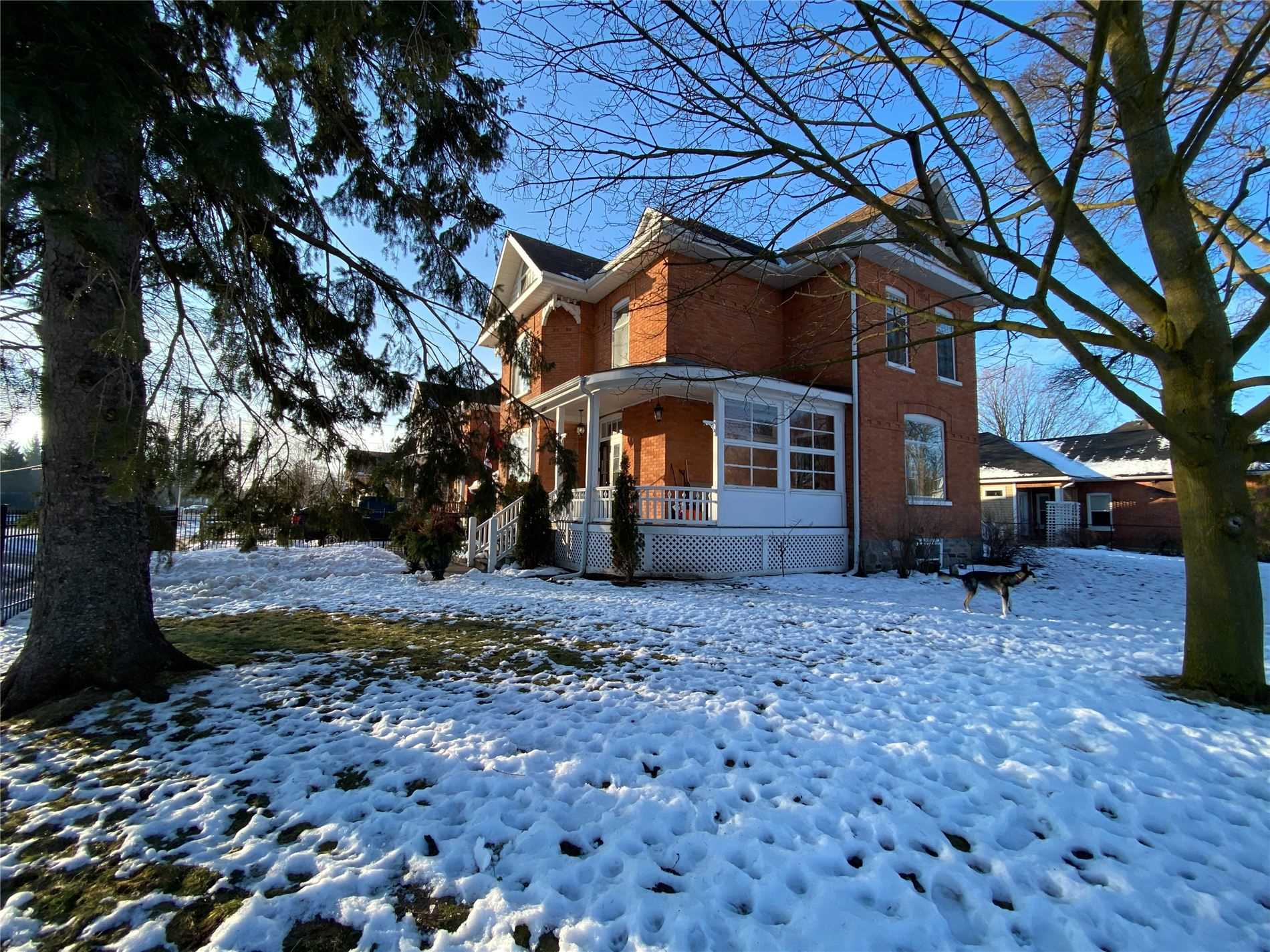pictures of house for sale MLS: S5089635 located at 402 Maple St, Collingwood L9Y2R8