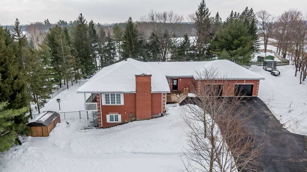 pictures of house for sale MLS: S5089677 located at 2693 Sideroad 20 & 21 Rd W, Oro-Medonte L4M4Y8