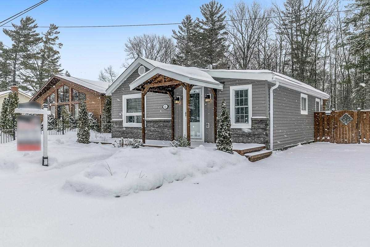 pictures of house for sale MLS: S5091443 located at 41 Laidlaw St, Wasaga Beach L9Z2L2