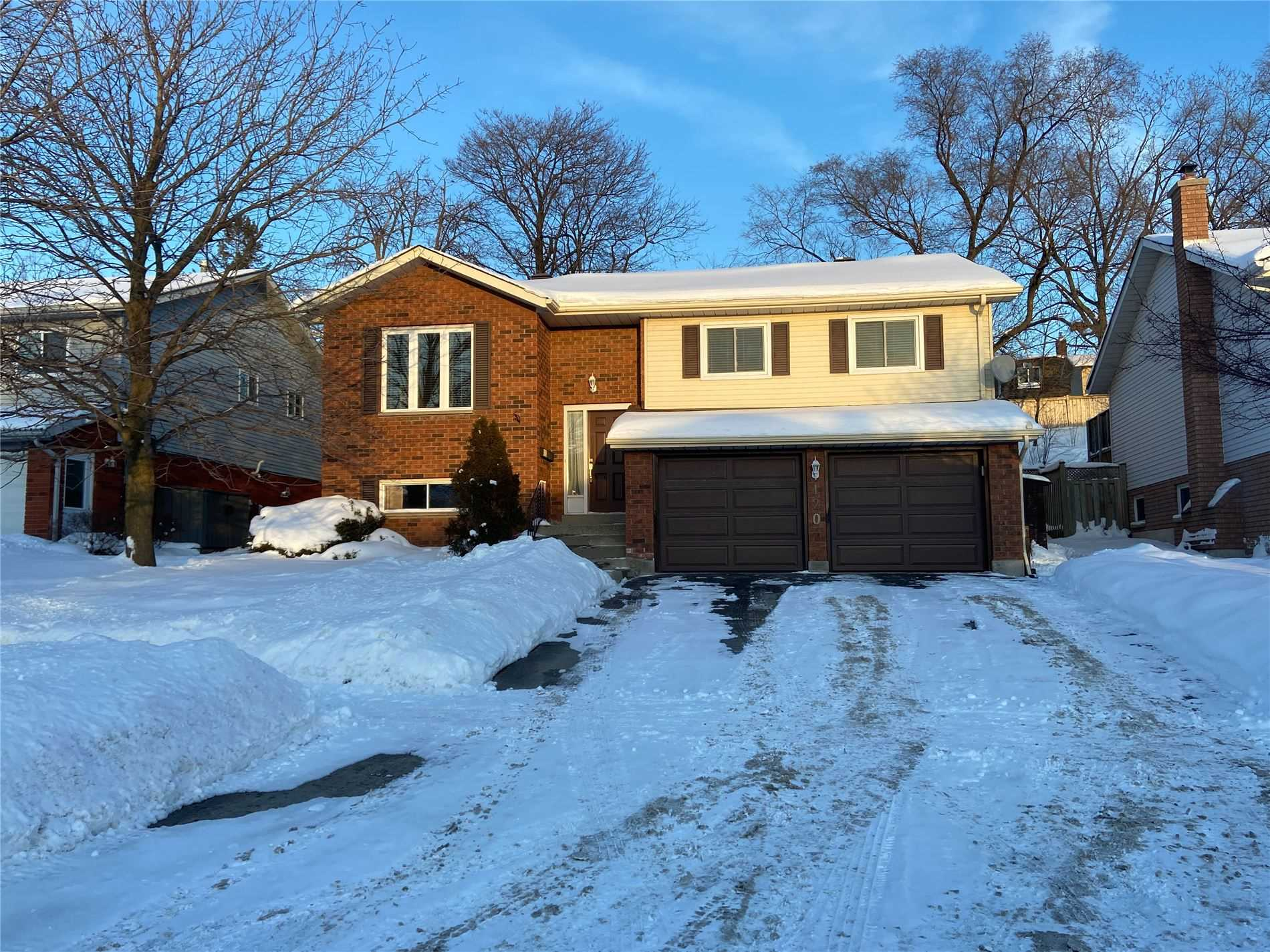 pictures of 120 Chieftain Cres, Barrie L4N6J3