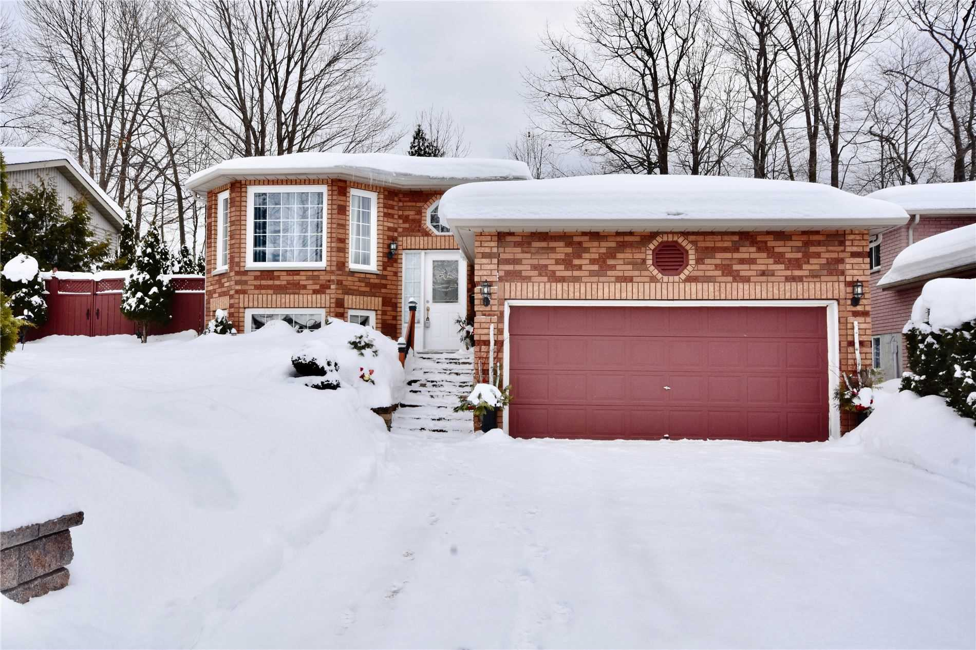 pictures of house for sale MLS: S5119520 located at 31 Anderson Cres, Tay L0K2A0