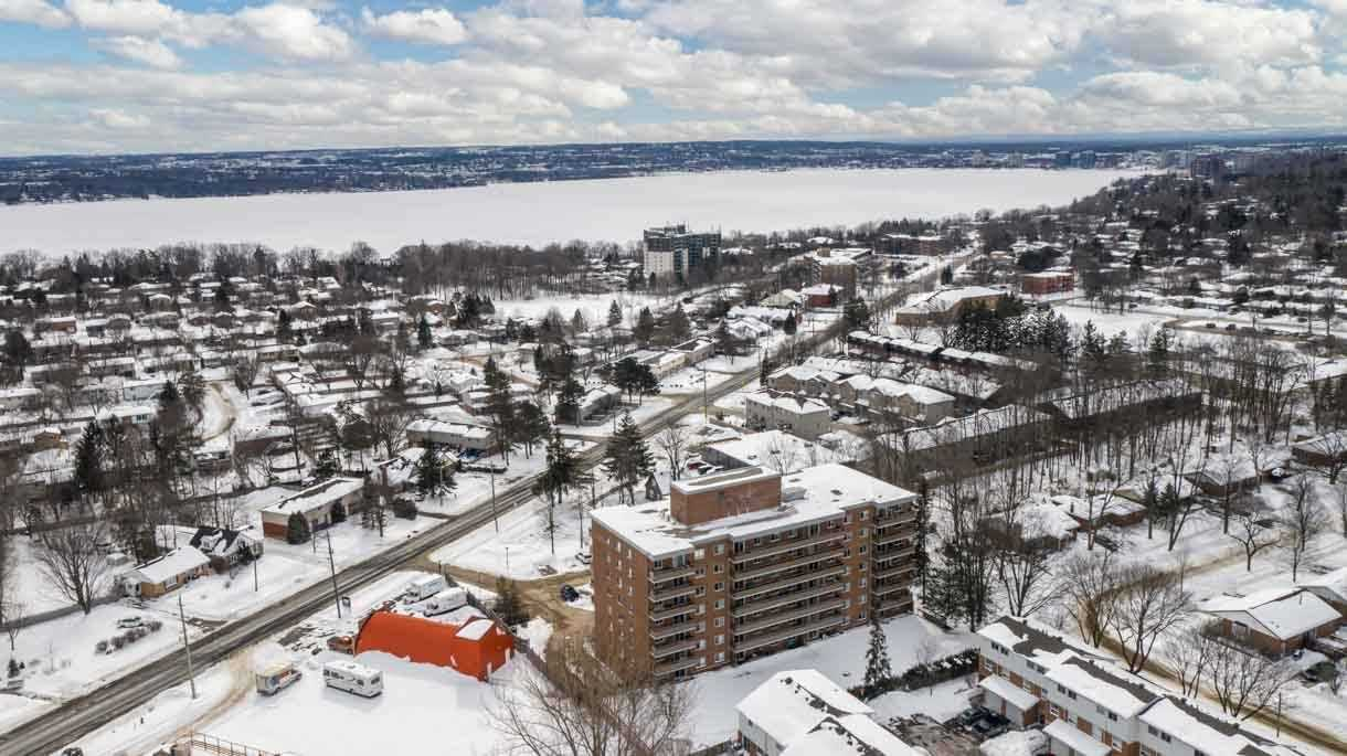 pictures of 414 Blake St, Barrie L4M5J7
