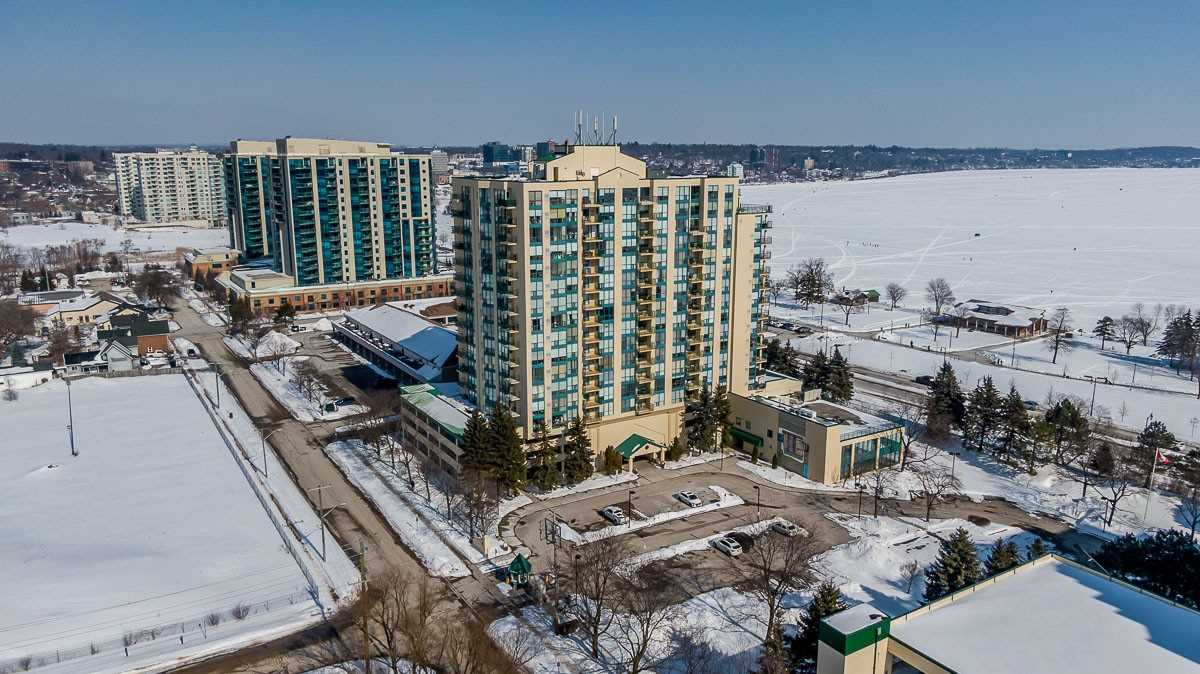 pictures of 65 Ellen St, Barrie L4N3A5