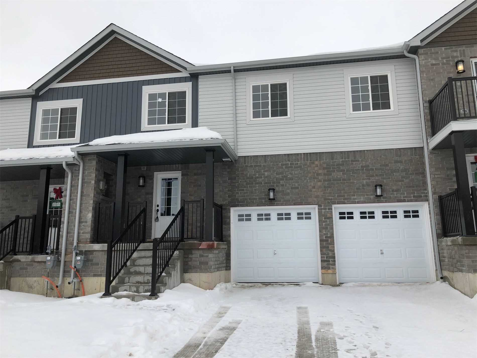 pictures of 70 Brown Bear St W, Barrie L9J0H8
