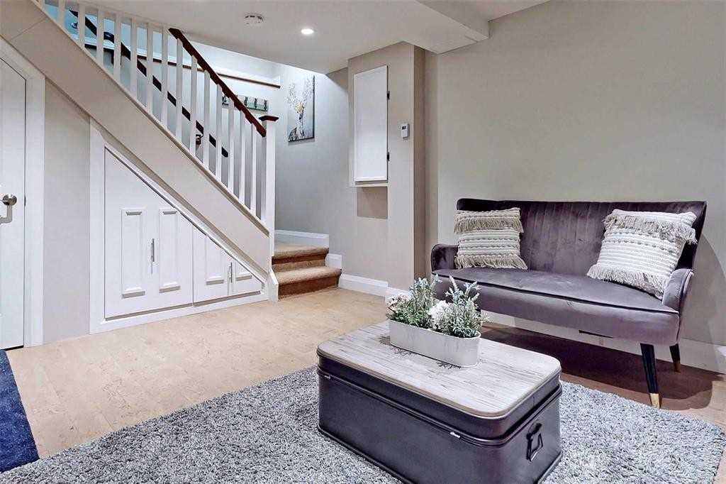 pictures of 9 Forestview Pl, Barrie L4M5M5