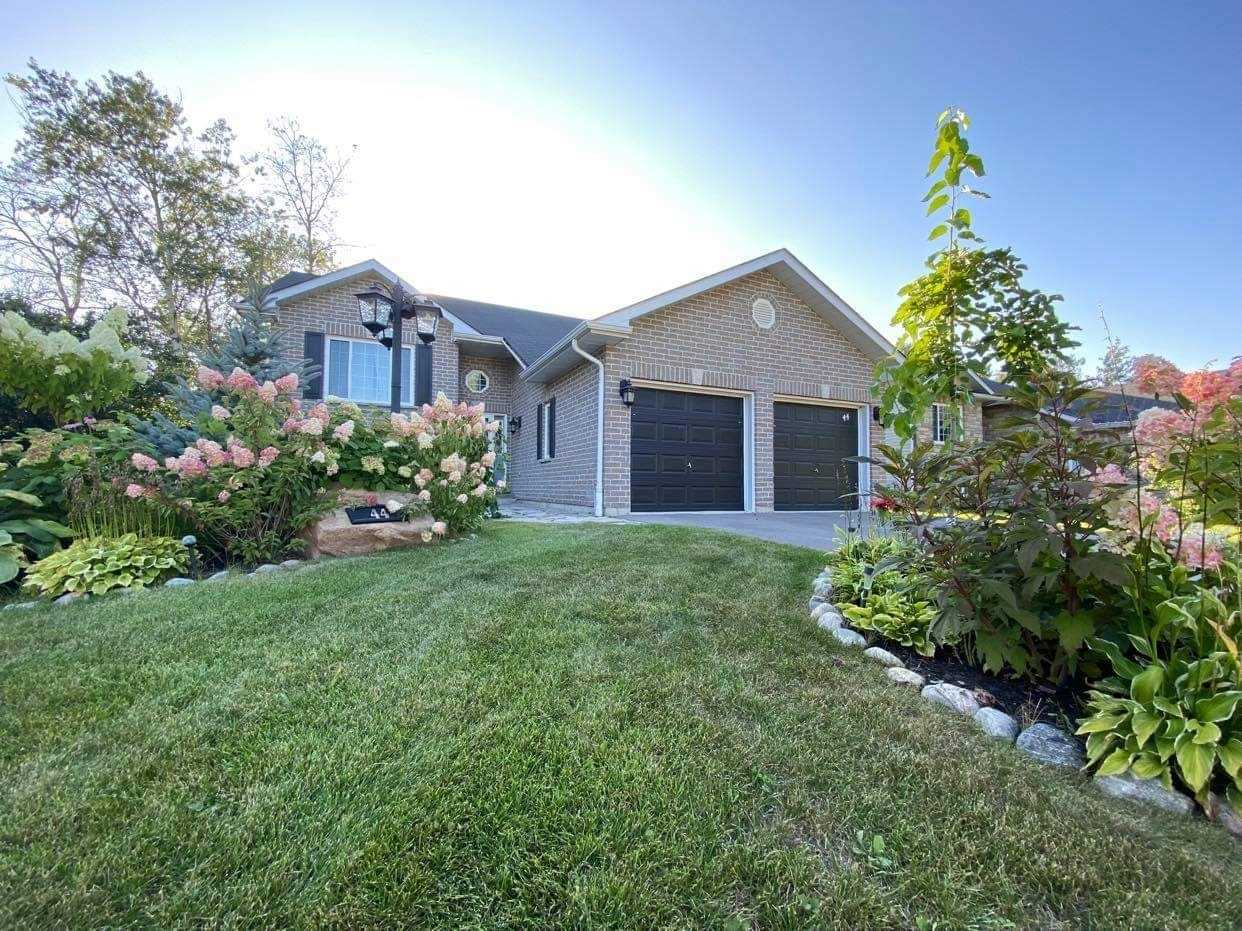 pictures of 44 74th St S, Wasaga Beach L9Z2G6