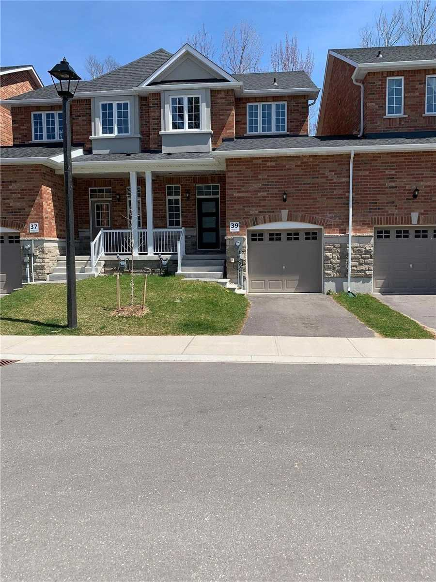 pictures of 39 Farwell Ave, Wasaga Beach L9Z0H3