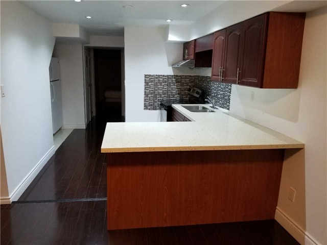 pictures of 1446 Andros Blvd, Mississauga L5J4K5