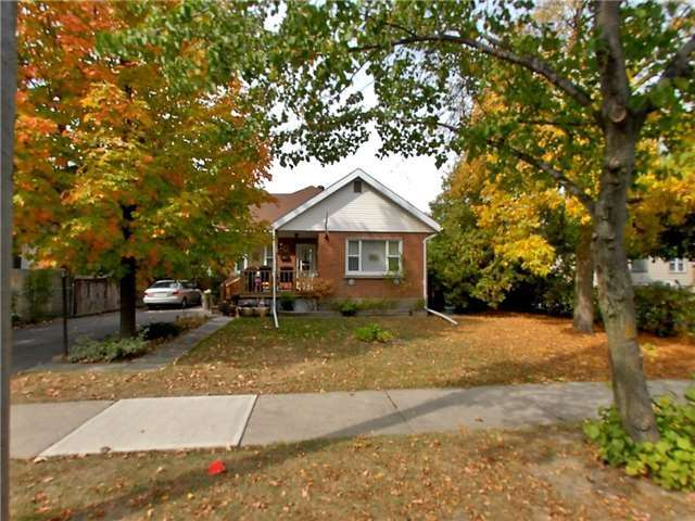 pictures of 108 Denison Ave, Brampton L6X1G1