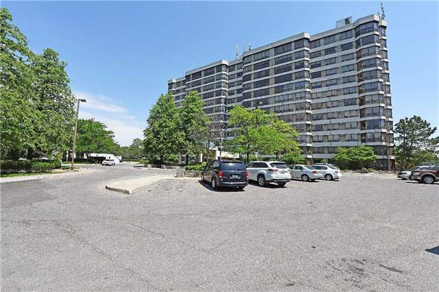 pictures of 310 Mill St S, Brampton L6Y3B1