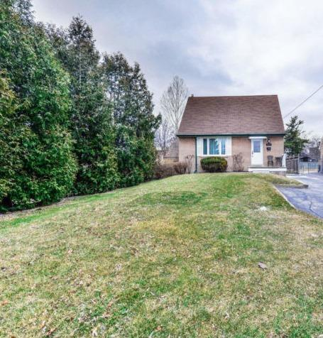 pictures of 3261 Michaud Ave, Mississauga L4T1P8