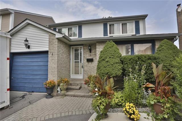 pictures of 18 Junewood(Lower Leve) Cres, Brampton L6S3T6