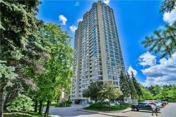 pictures of 8 Lisa St, Brampton L6T4S6