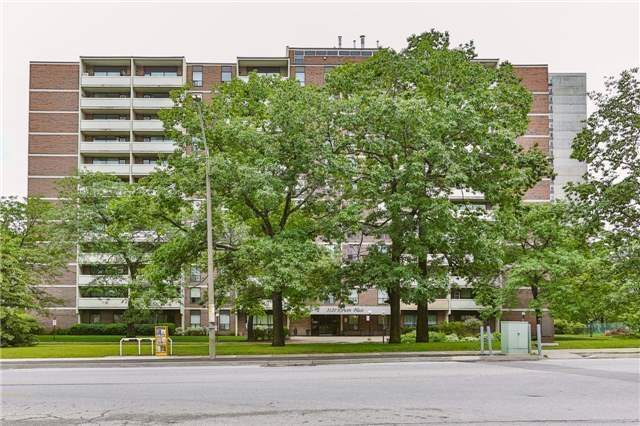 pictures of 3120 Kirwin Ave, Mississauga L5A3R2