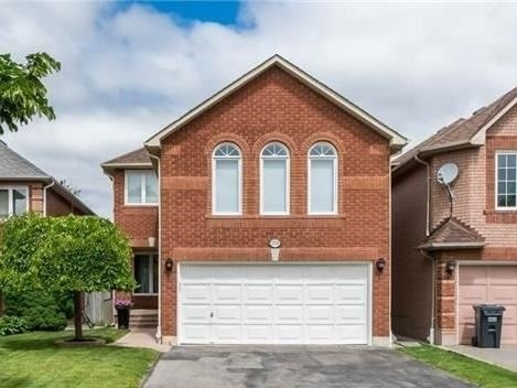 pictures of 3770 Densbury Dr, Mississauga L5N6Z2