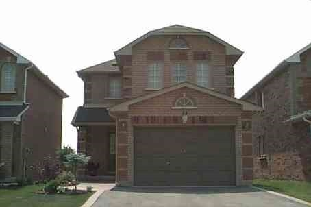 pictures of 74 White Tail Cres, Brampton L6Y5C1