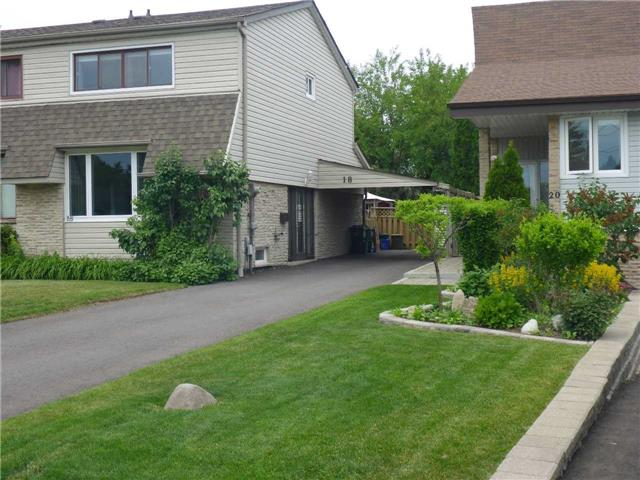 pictures of 18 Alpha Mills Rd, Mississauga L5N1H5
