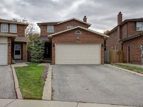 pictures of 4274 Highgate (Low Level) Cres, Mississauga L4W3H2